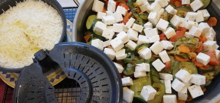 Zucchini-Tomaten-Pfanne mit Feta aus der Edelstahl Wokpfanne